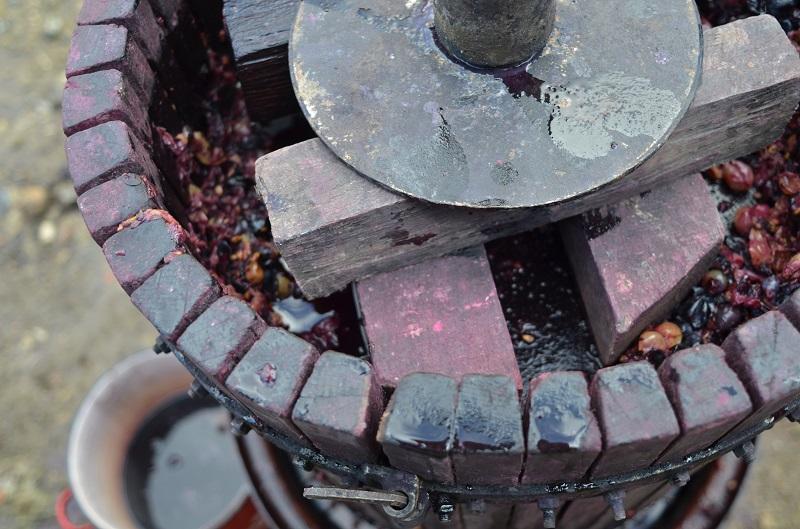 Получение сока из винограда