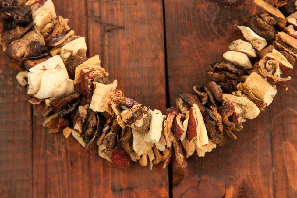 Процесс сушки грибов
