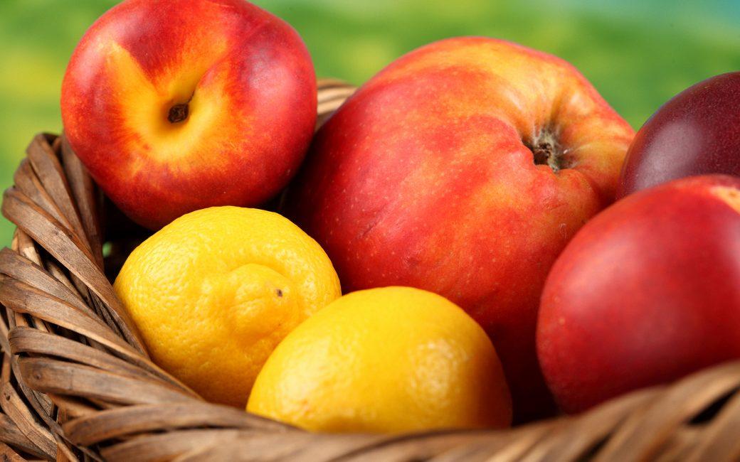Яблоки с лимонами