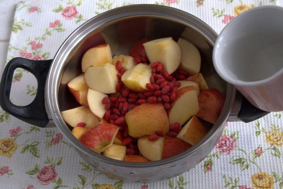 Яблоки и барбарис