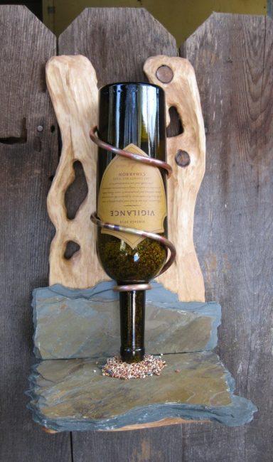 Кормушка для птиц из виной бутылки