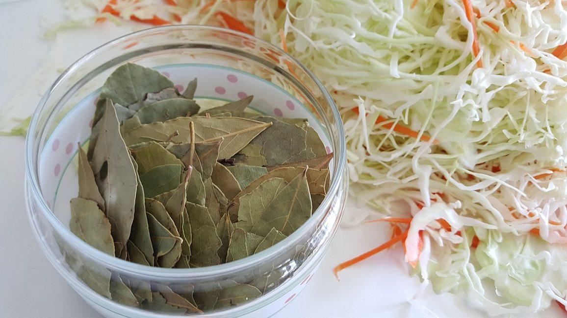лавровый лист и капуста