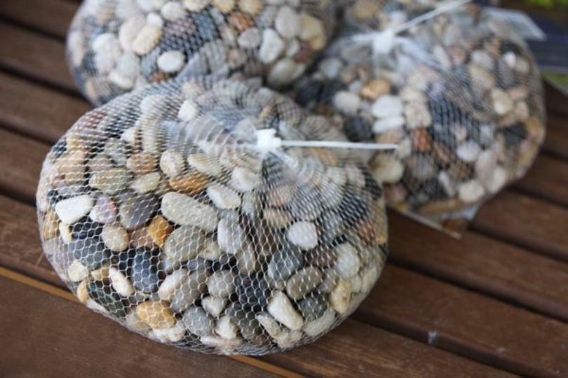 Использование мелких камней для формирования дренажных и декоративных материалов