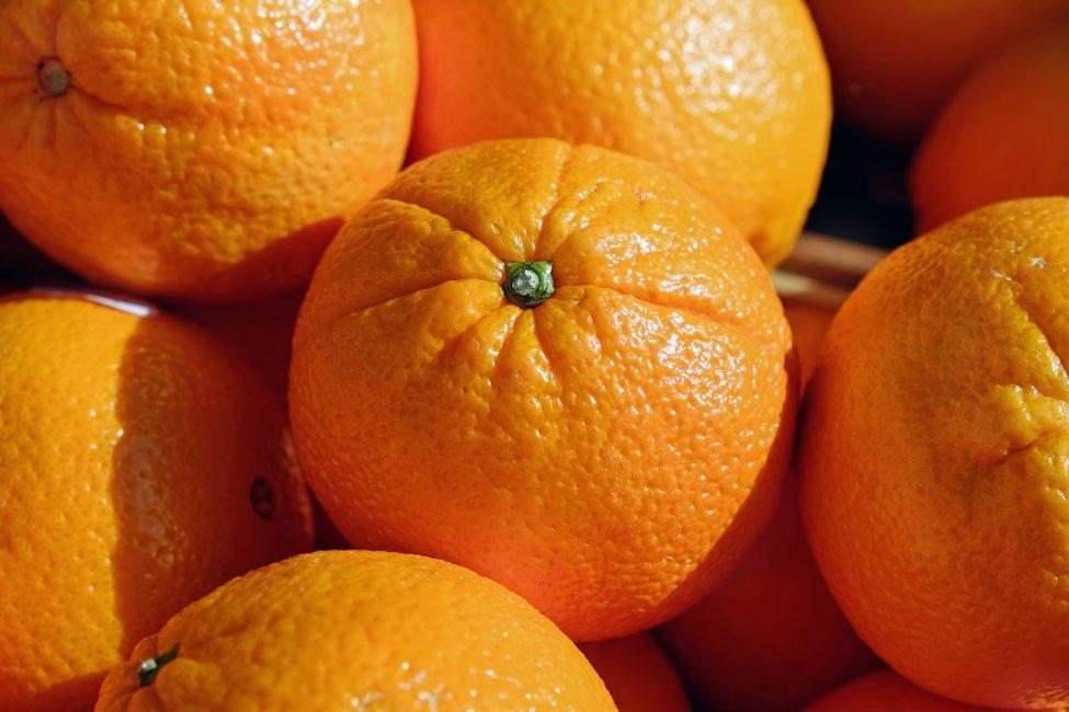 Один крупный плод содержит суточную порцию витамина С