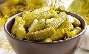 3 лучшие вариации приготовления классического рецепта соленых огурцов, а также салат оливье и винегрет