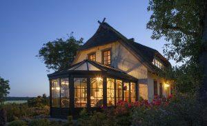 Веранда пристроенная к дому — расширяем жизненное пространство: проекты, советы как создать своими руками (200 оригинальных фото идей)