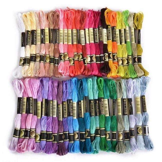 Обилие цветных нитей для вышивания