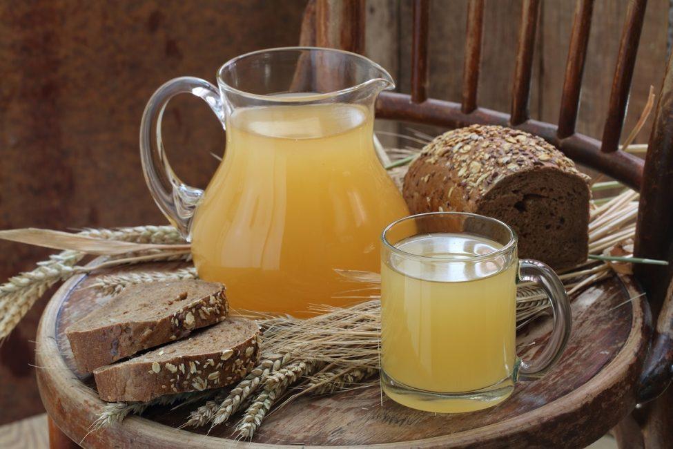 Квас считается напитком, приносящим пользу здоровью, потому что он состоит из натуральных компонентов