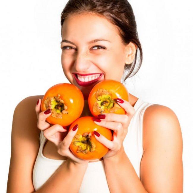 Польза хурмы также в том, что она предотвращает появление пародонтоза, стоматита и цинги.