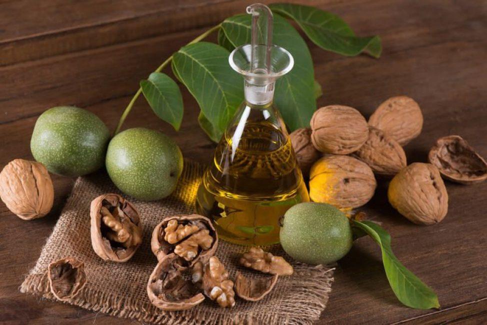 Не менее эффективной считается настойка на скорлупе грецкого ореха.