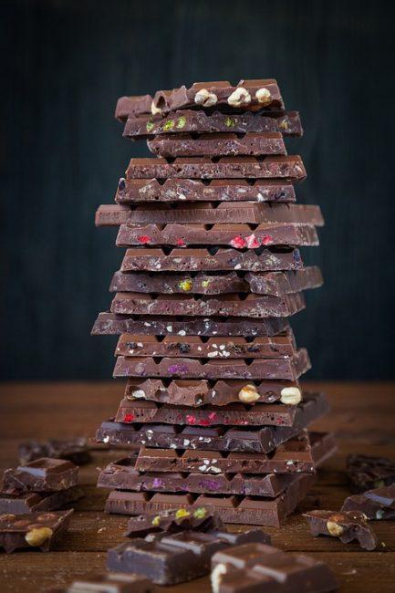 пирамида из домашнего шоколада