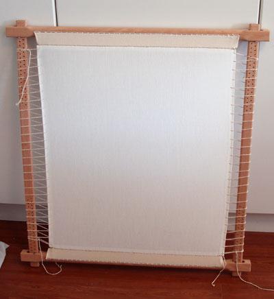 Закрепление полотна с помощью нитей