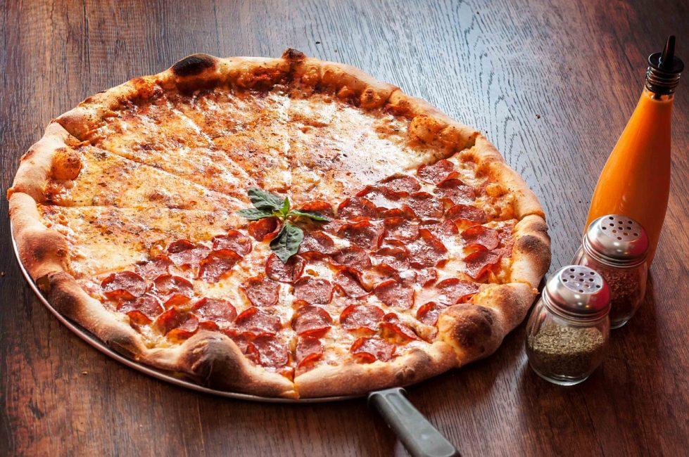 Два вида пиццы