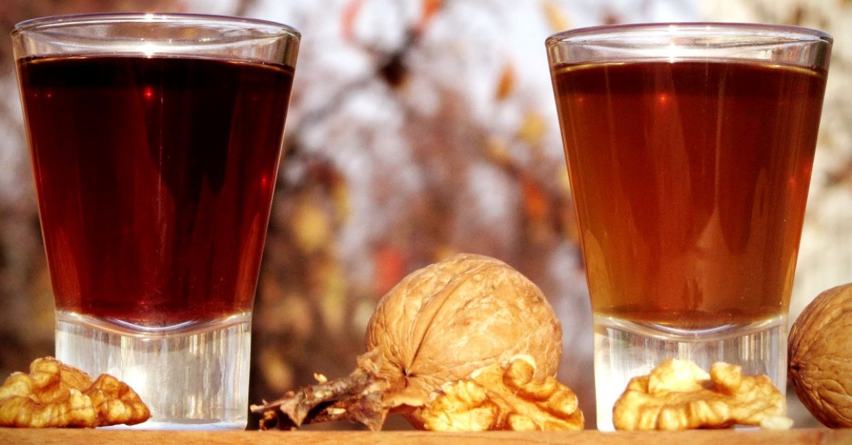 Основное преимущество настойки на орехе — высокий процент содержания йода