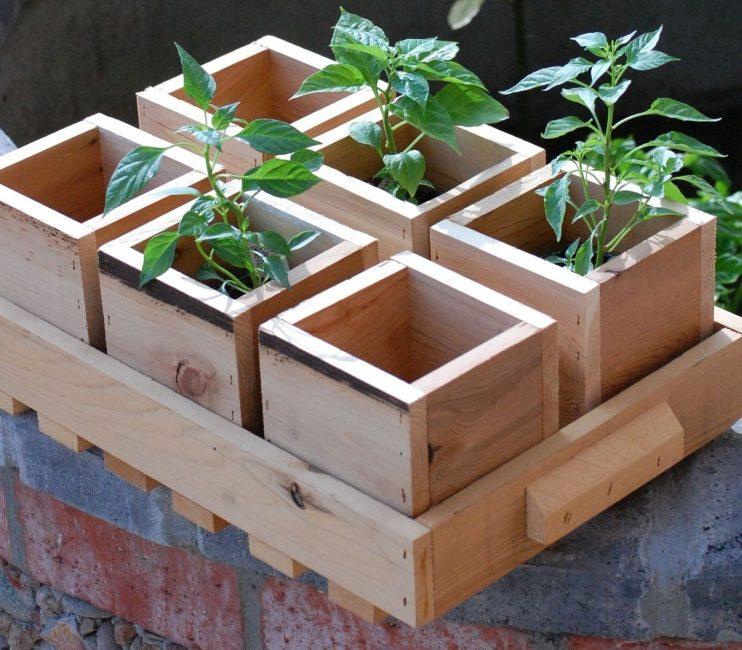 Красивые, самодельные деревянные ящики для рассады