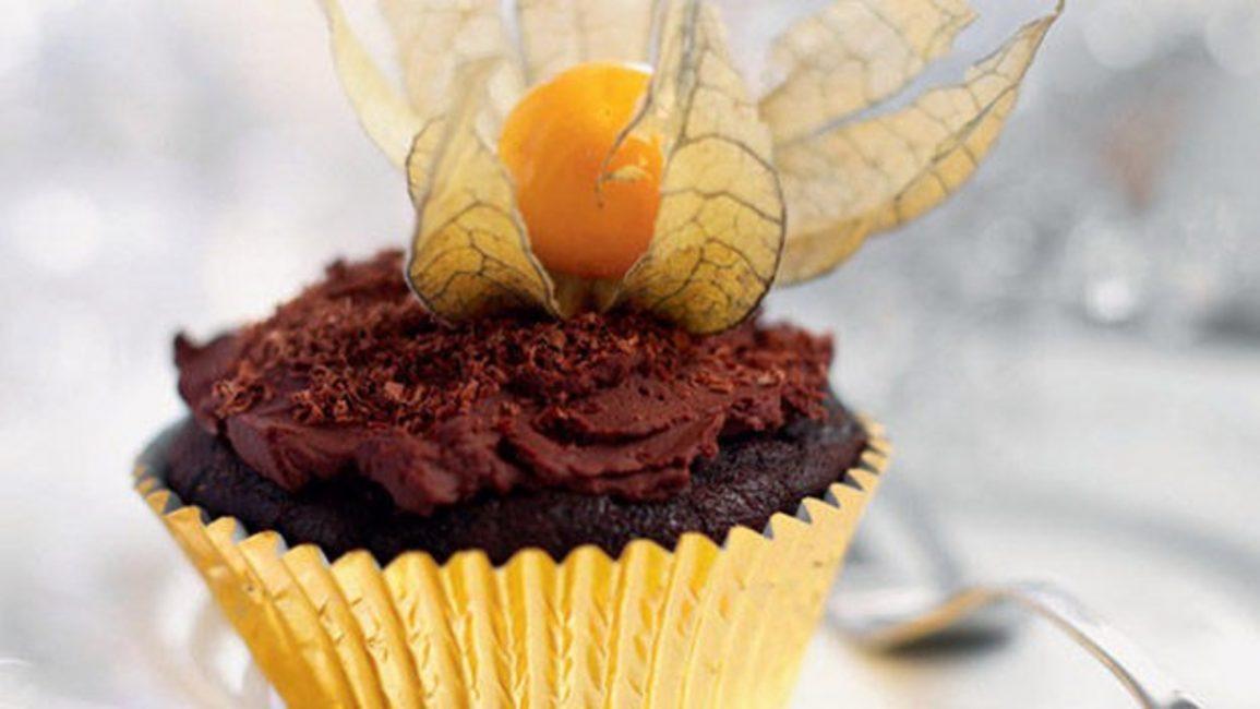Десерт с физалисом