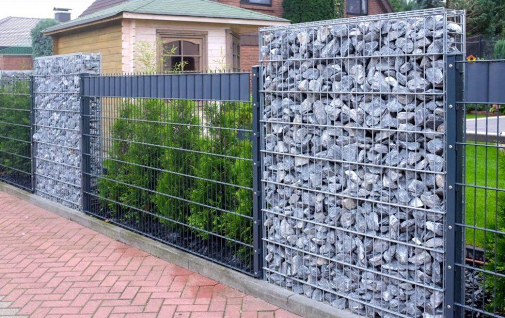 Комбинированный декоративный забор