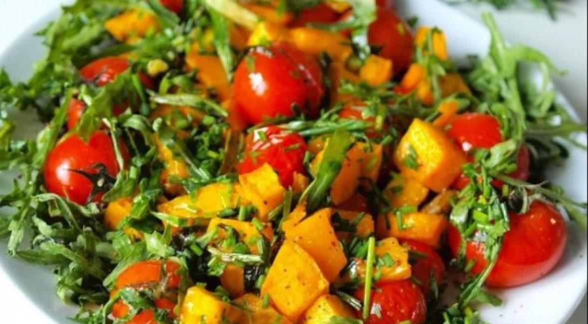 теплый салат с помидорами консервированными