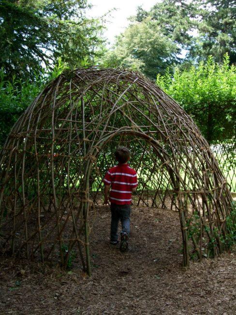 Домик-шатер из ивовых веток