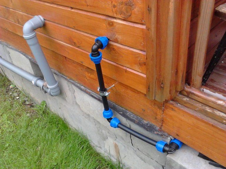 Простейший водопровод на даче