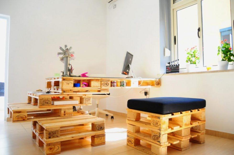 Простую мебель легко изготовить самому