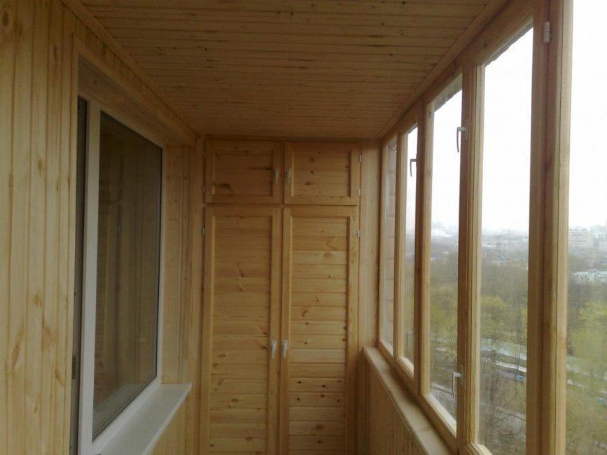 Шкаф балкона