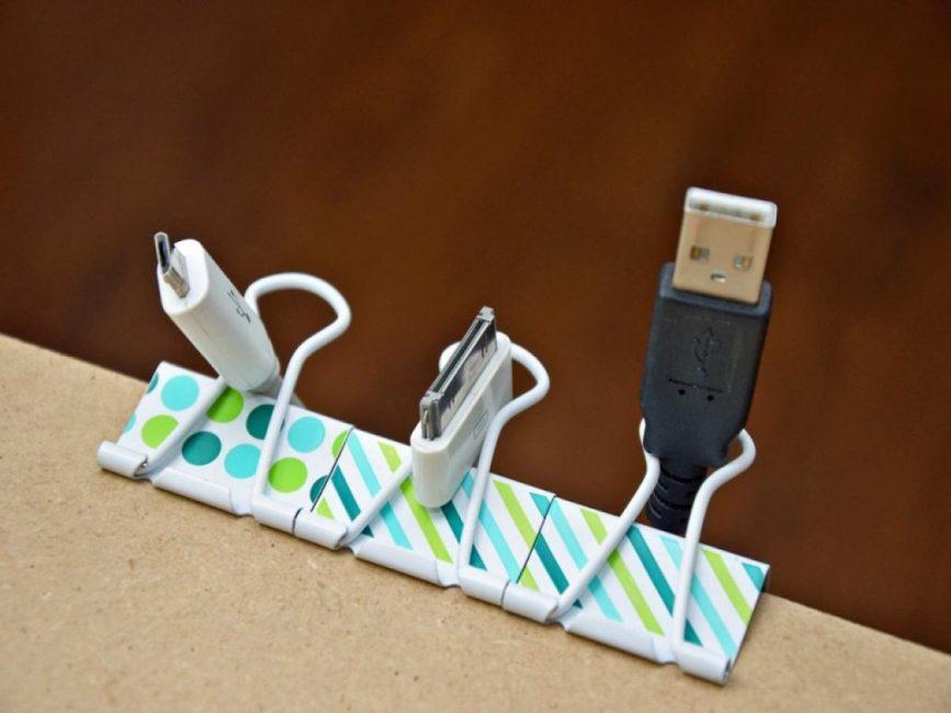 Креативный держатель для шнуров