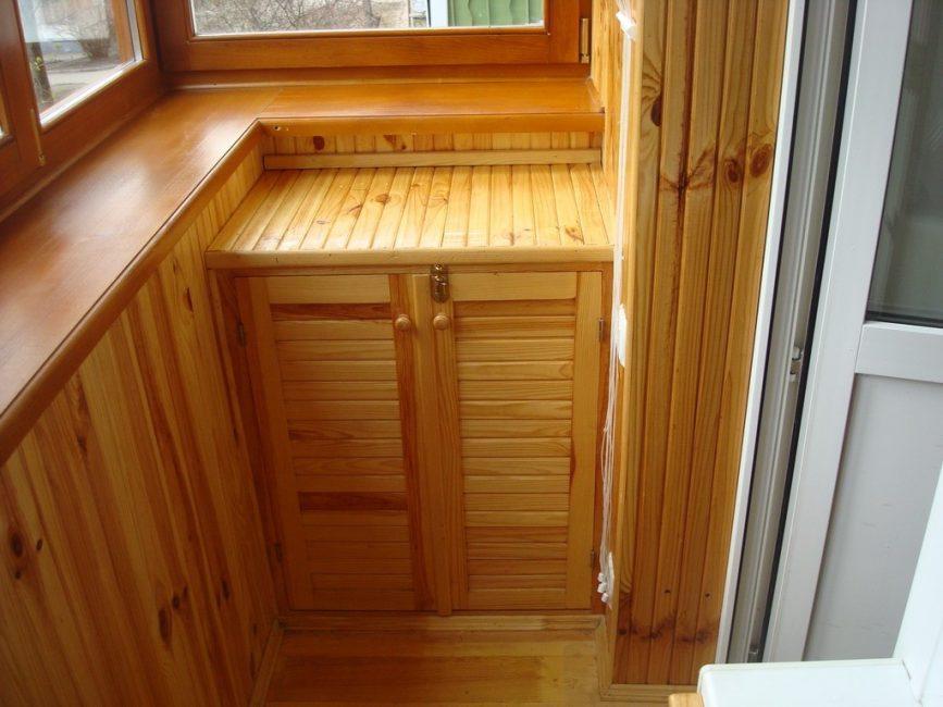Шкафчик из вагонки