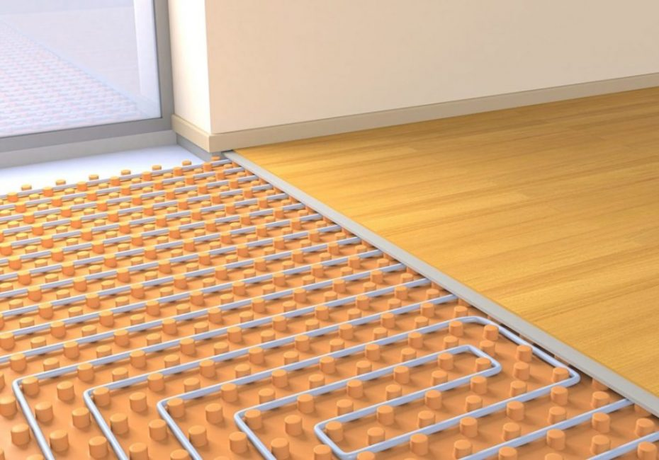 Подстилающий слой поможет равномерно распределять тепло от тёплого пола