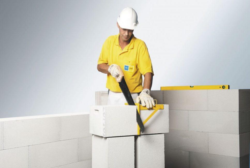 Газобетонные блоки легко режутся и пилятся