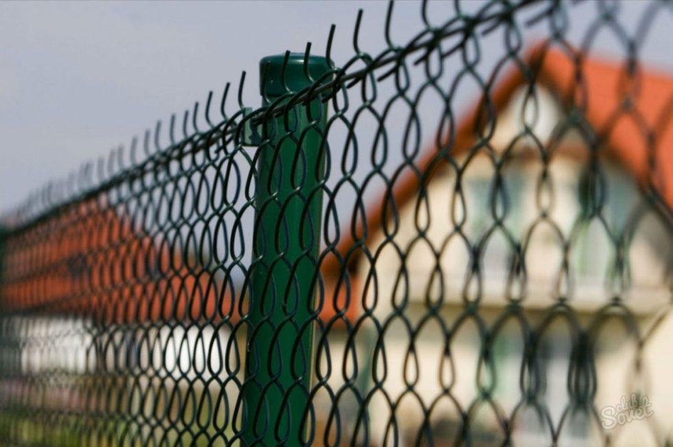 Забор с натяжным прутом