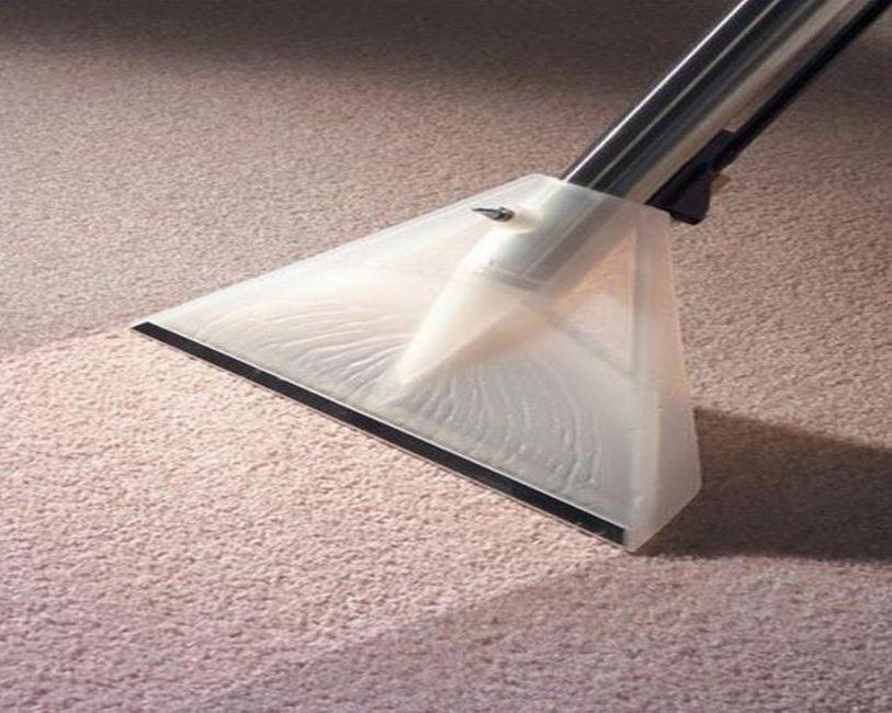 Жидкие очистители для напольных покрытий могут использоваться с моющими пылесосами