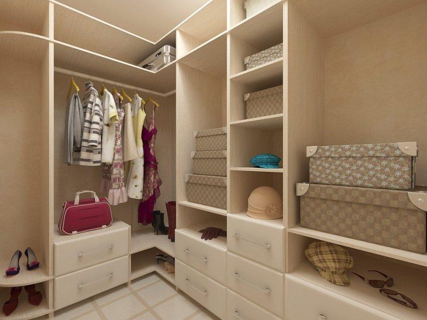 Пространство для хранения одежды – необходимая зона в каждой квартире
