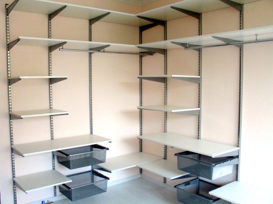 Детали из ЛДСП – хорошее и функциональное решение для хранения одежды