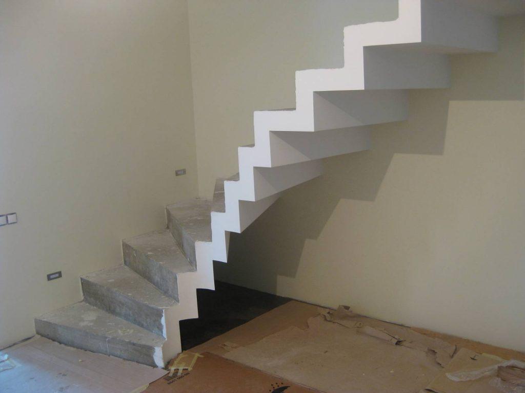 Лестница на второй этаж своими руками бетонные
