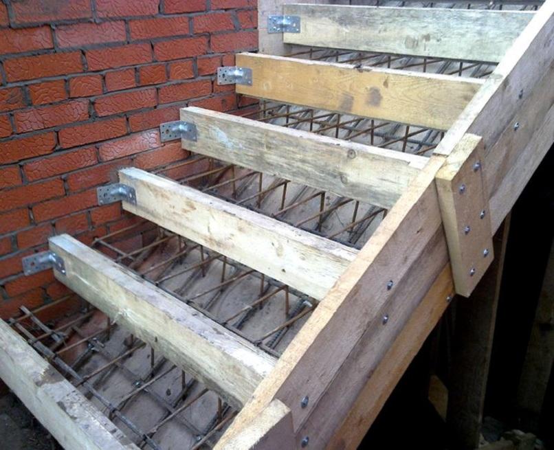 как сделать бетонную лестницу к дому