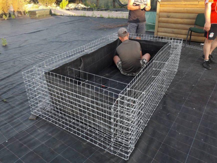 Процесс сборки контейнера-клетки