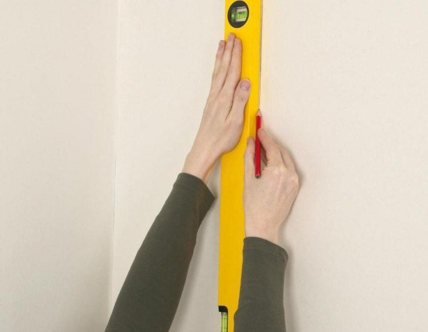 как клеить обои на газеты инструкция как клеить обои на флизелиновой основе своими руками: пошаговая инструкция с фото. 2019-01-23