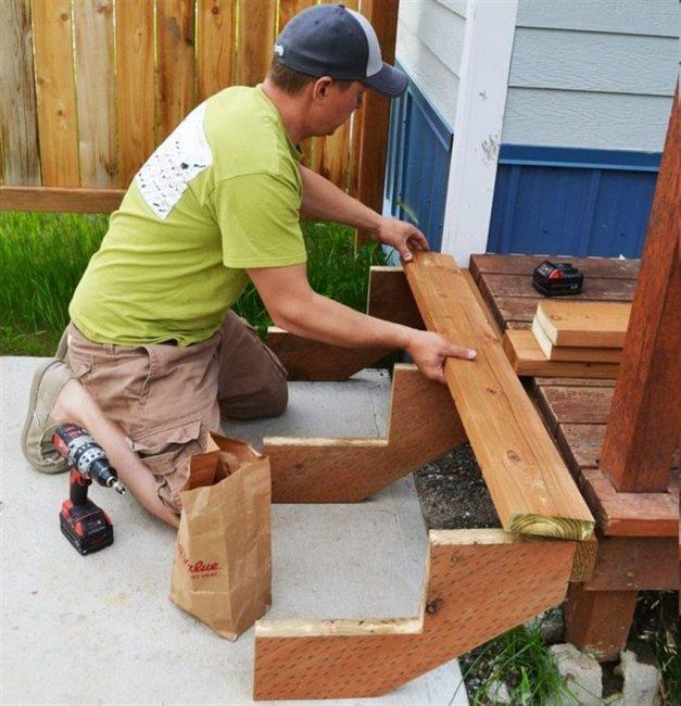Важно следить за тем, чтобы ступени имели одинаковую высоту и угол наклона
