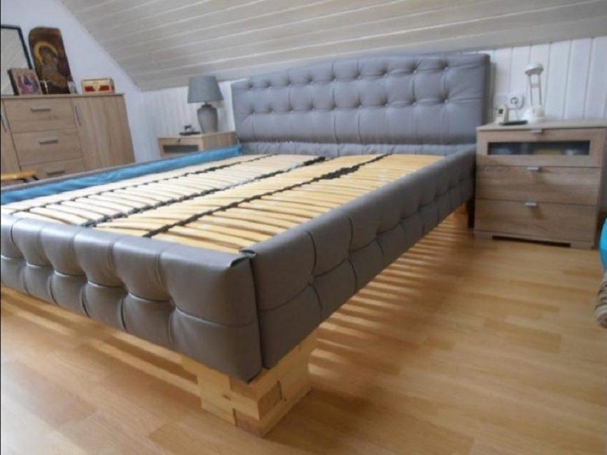 Двуспальная мебель из дерева, собранная своими силами, станет украшением любого интерьера
