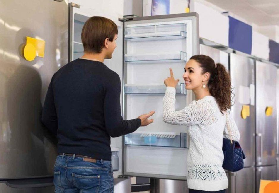 Осмотреть необходимо с особой придирчивостью до покупки и включения в розетку