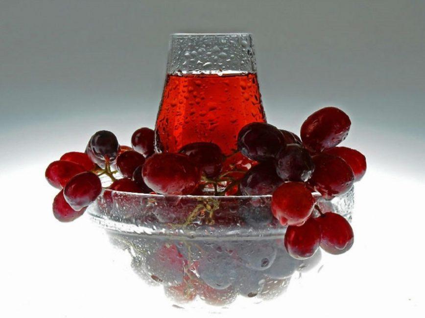 Виноградный сок также может найти применение для домашнего виноделия
