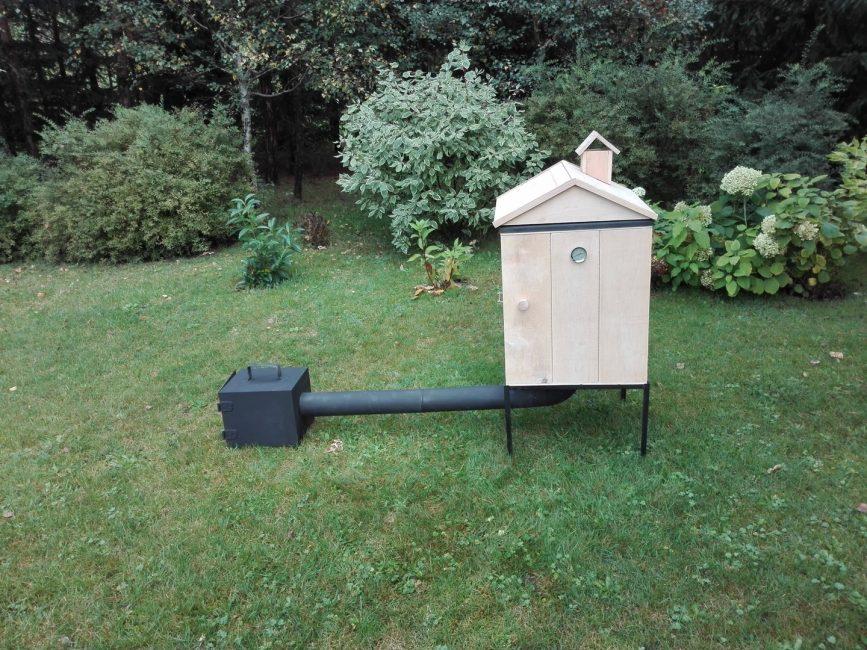Использование в качестве коптильной камеры деревянного домика