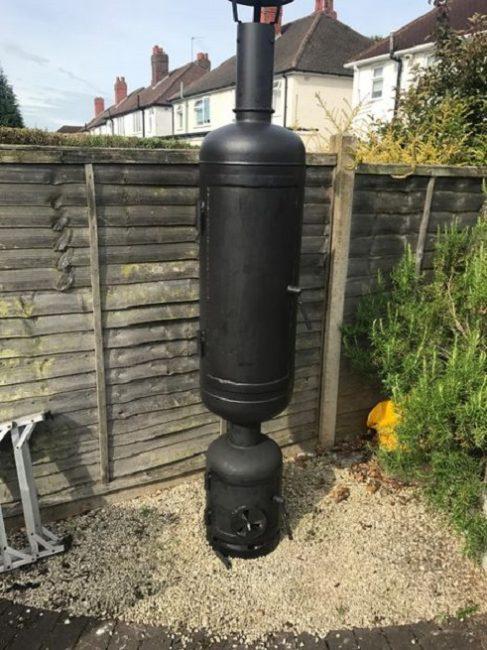 Коптильная камера из газового баллона с трубой