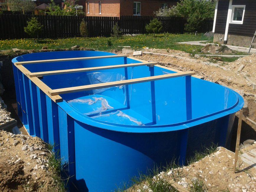 Обустройство пластикового бассейна