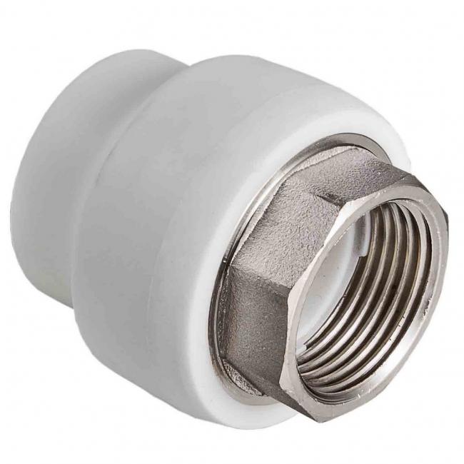 Фитинг для соединения трубопровода из металла с полимерной (PP) частью