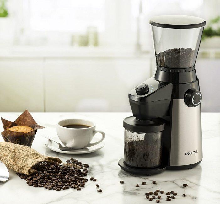 Электрические измельчители кофейных зёрен – практичные бытовые приборы, но платить за них большие деньги не имеет практического смысла
