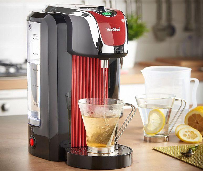 Термопоты редко встречаются на кухнях, но любители кофе и чая по достоинству оценят возможности и функционал прибора