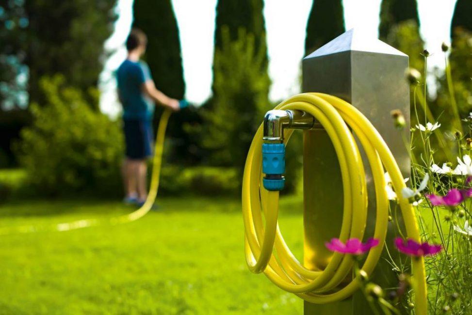 """Оптимальным для садовода-любителя считается длина шланга для полива 20 м и диаметр 1/2"""""""