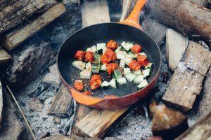 Блюда на костре: 15 очень простых и вкусных рецептов для отдыха на природе | (Фото & Видео)
